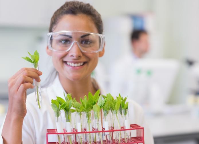 стимулятор корнеобразования торговой марки ФИТОКЛОН является новейшей разработкой российских биологов